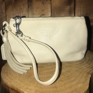 Handbags - Coach wristlet